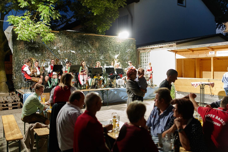 Die kl. Besetzung beim Dorffest in Blonhofen